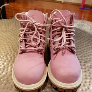 Pink Timberlands for toddlers size 9
